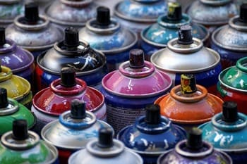 bombe peinture polluante